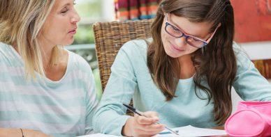 ABACUS Team Rabeler erteilt Mathe Nachchilfe zuhause beim Schüler in Lehre