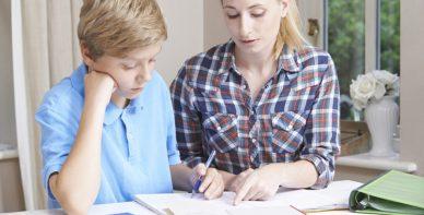 ABACUS Team Rabeler erteilt Mathe Nachchilfe zuhause beim Schüler in Nienhagen