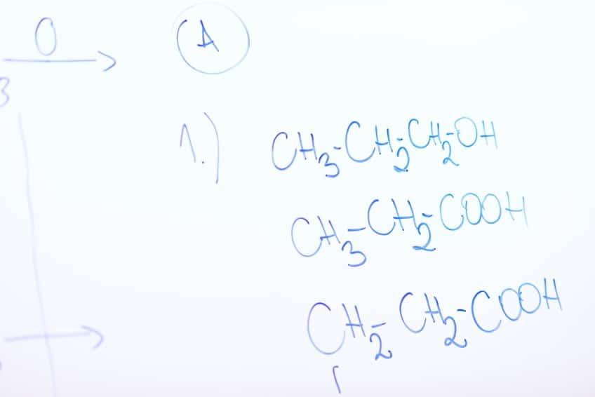 Nachhilfe Chemie Formeln